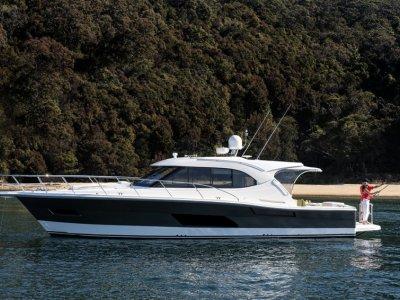New Riviera 445 Suv