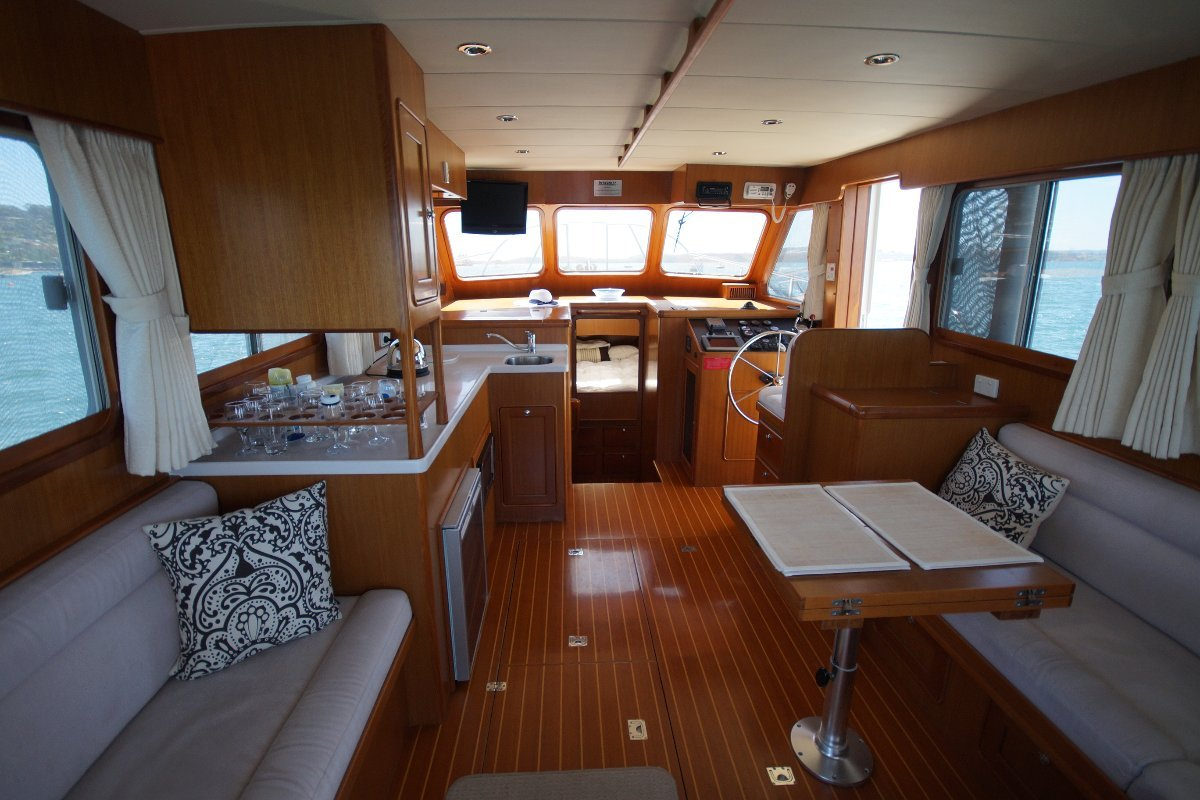 Integrity 350 Flybridge