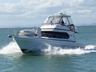 Capricorn Classic 38 Sports Flybridge