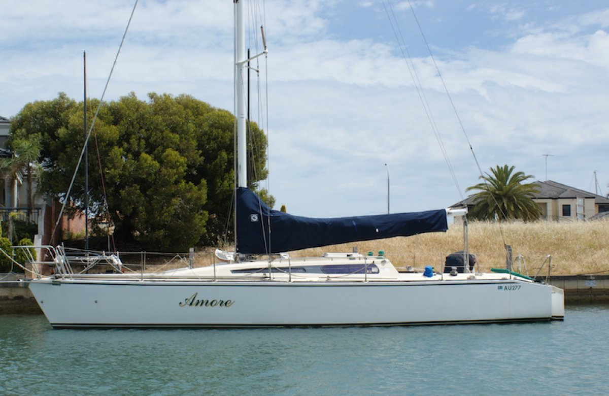 Adams 11.9 40 foot Fiberglass Yacht