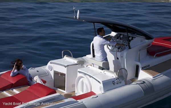New Pirelli Pzero 1100 Cabin Super Yacht Tender