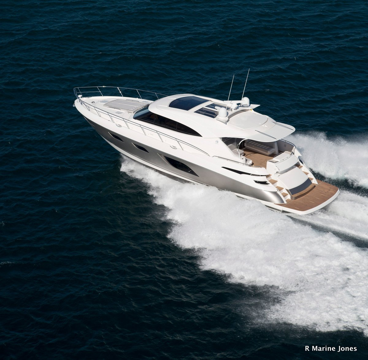 Riviera 6000 Sport Yacht Single level cruising at it's best