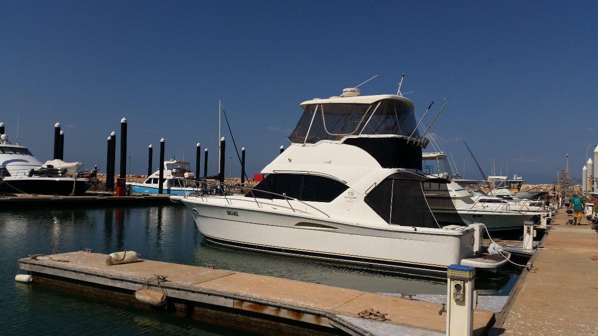 Riviera 3350 Flybridge