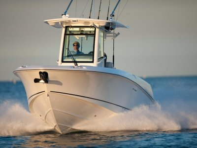 New Boston Whaler 280 Outrage Centre Console