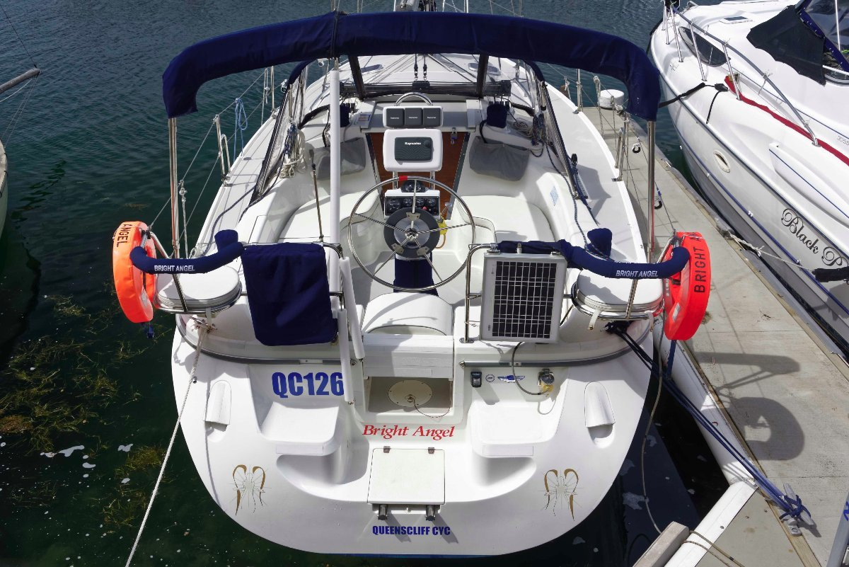 Catalina 309 2009 one owner as new; immaculate!