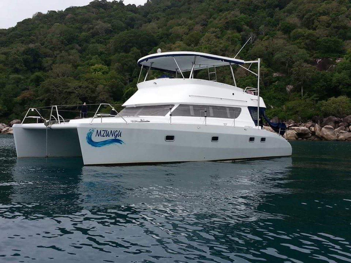 HK40 Power Catamaran:Mzungu