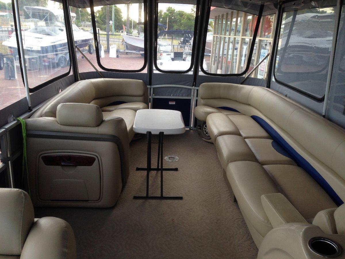 Sun Tracker Party Barge 25 XP3 Regency Edition