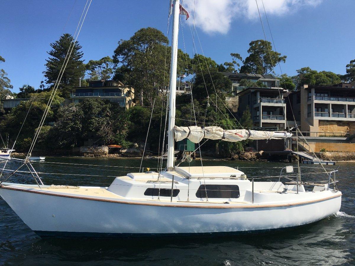 Careel 22 L middle harbour mooring. Fixed Keel, Mercury 5hp