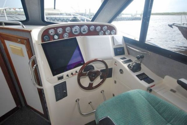 Noosa Cat Flybridge Sportscruiser