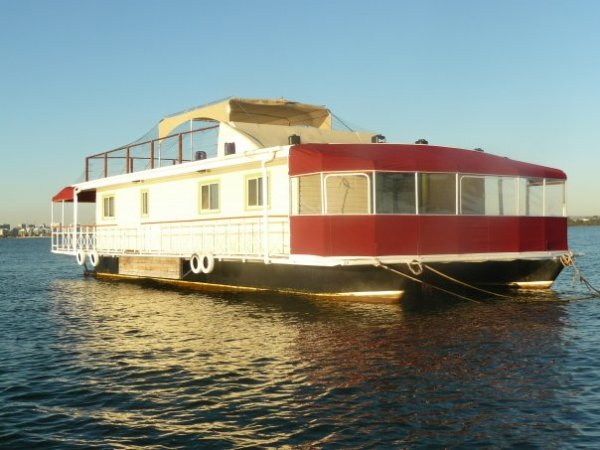 4 Bedroom Floating Apartment on the Swan River