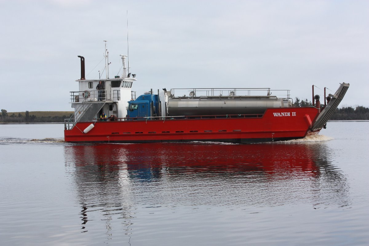 Landing barge for Hire