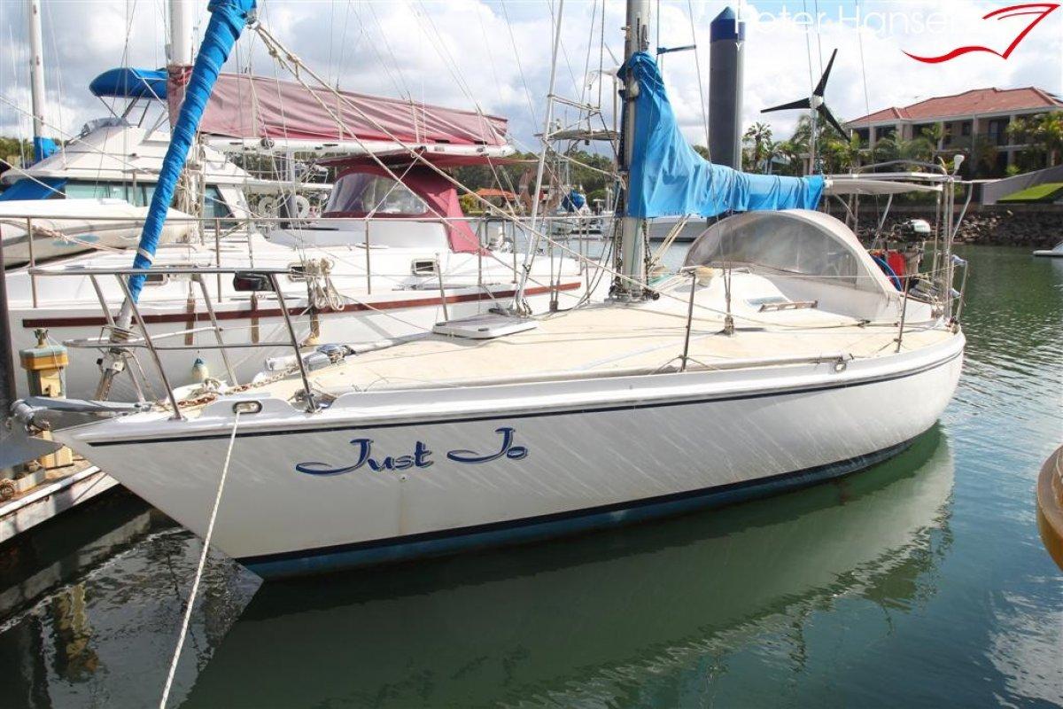 Custom 30' Fibreglass Sloop Cruising Yacht