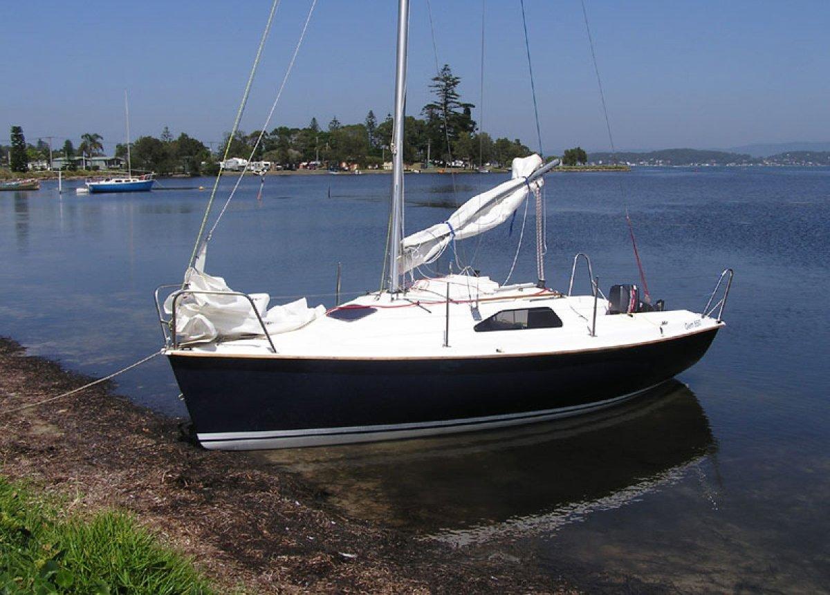 Gem 550 18ft Trailer Sailer 2003 model - Cruise or Race