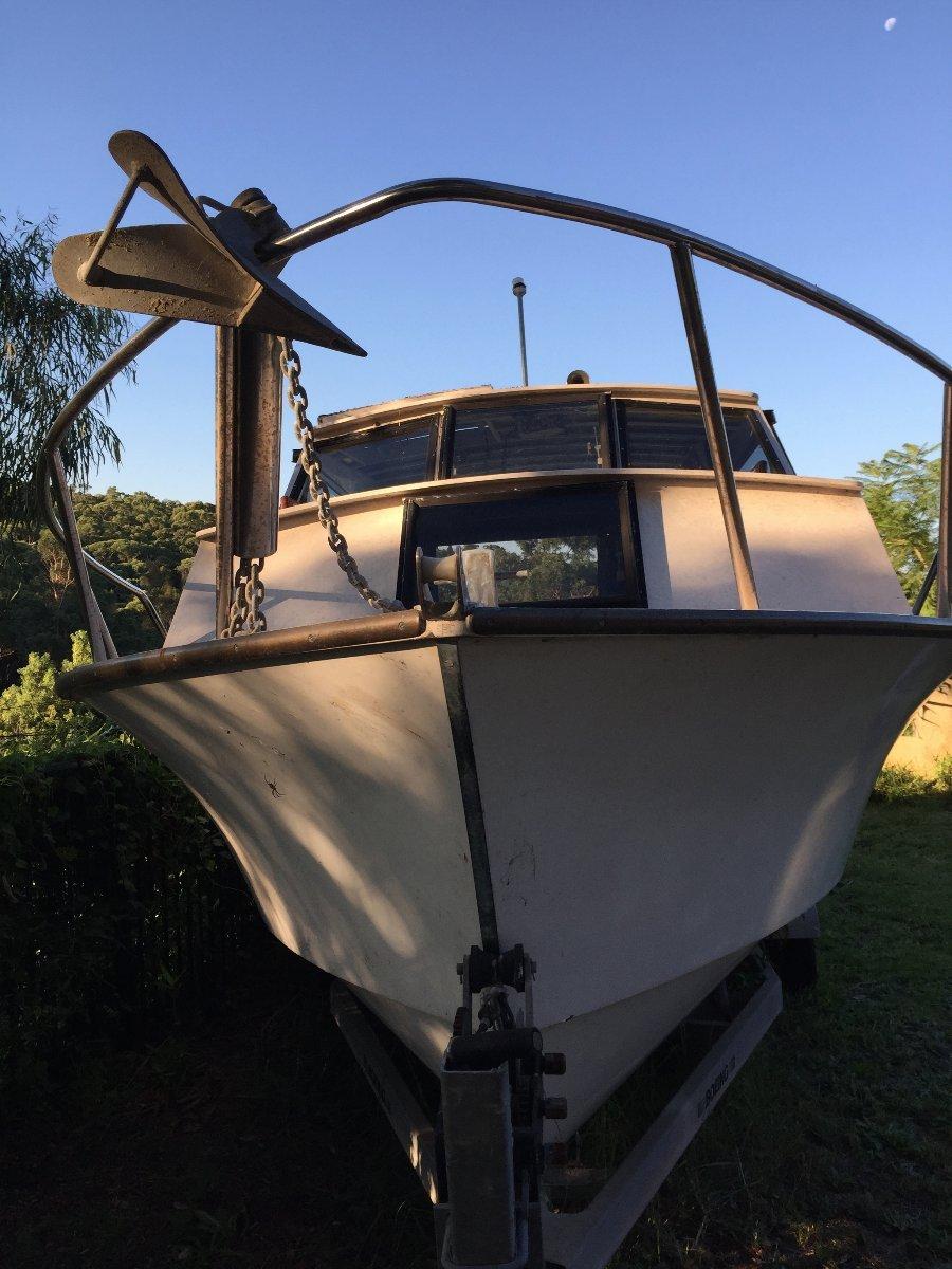 Hartley Cabin Cruiser:Bow
