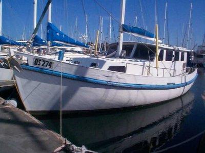 Lacco Pilot House Motor Sailer:Robin in pen