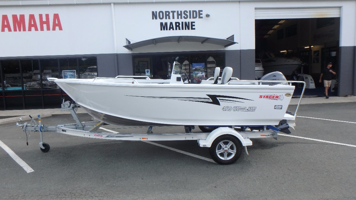 Stacer 469 Outlaw Side Console + Yamaha F70LA 70hp Four Stroke Outboard Motor