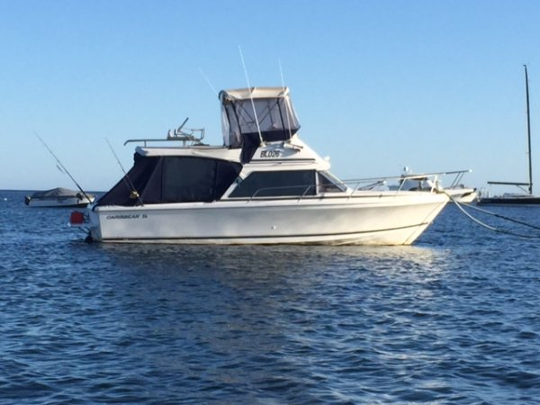 Caribbean 26 Flybridge Sports Fisherman Flybridge cruiser