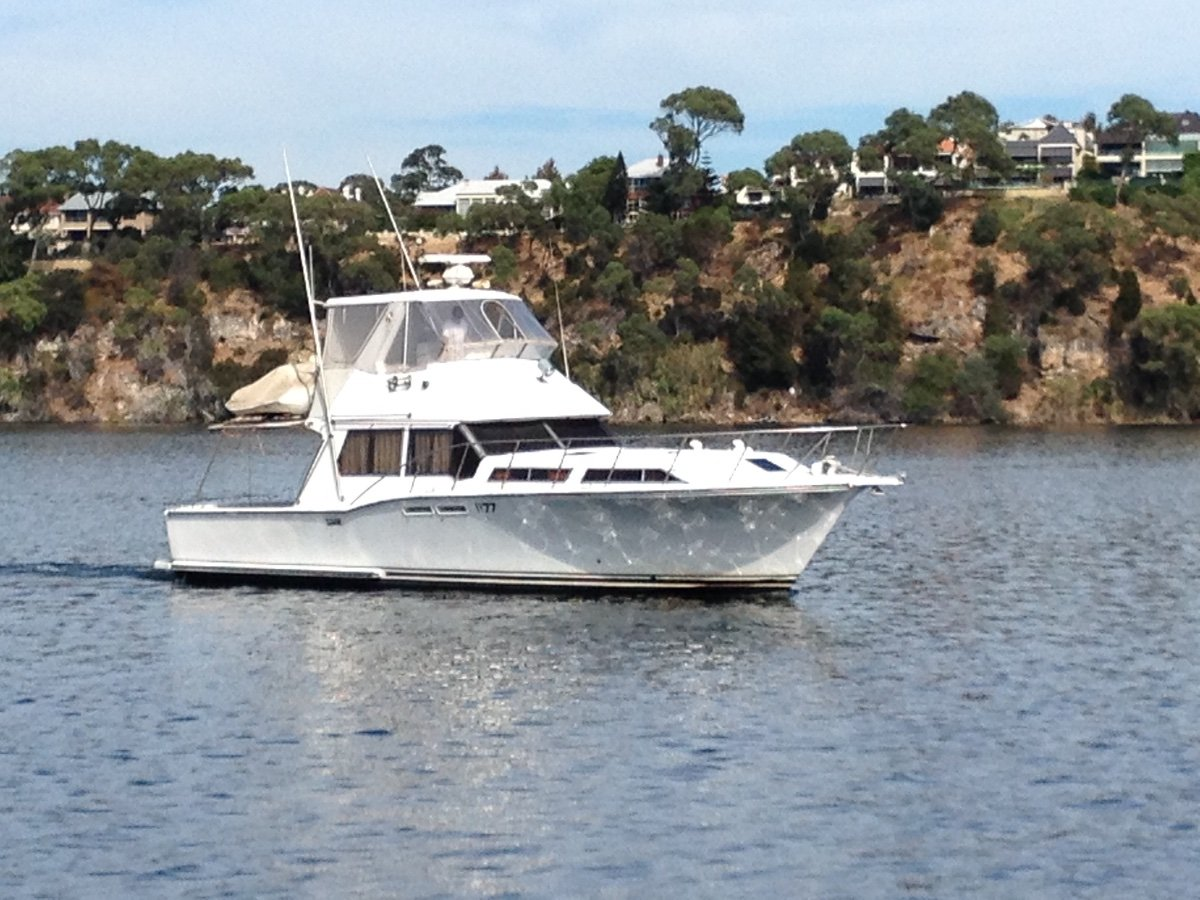 Outsider Flybridge 44 Extended to 48 Same Owners for 20+ years