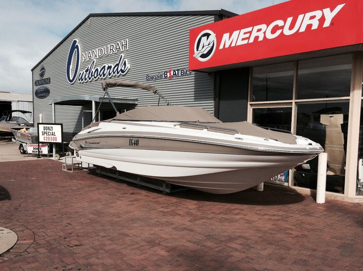 Crownline 252EX Deck Boat