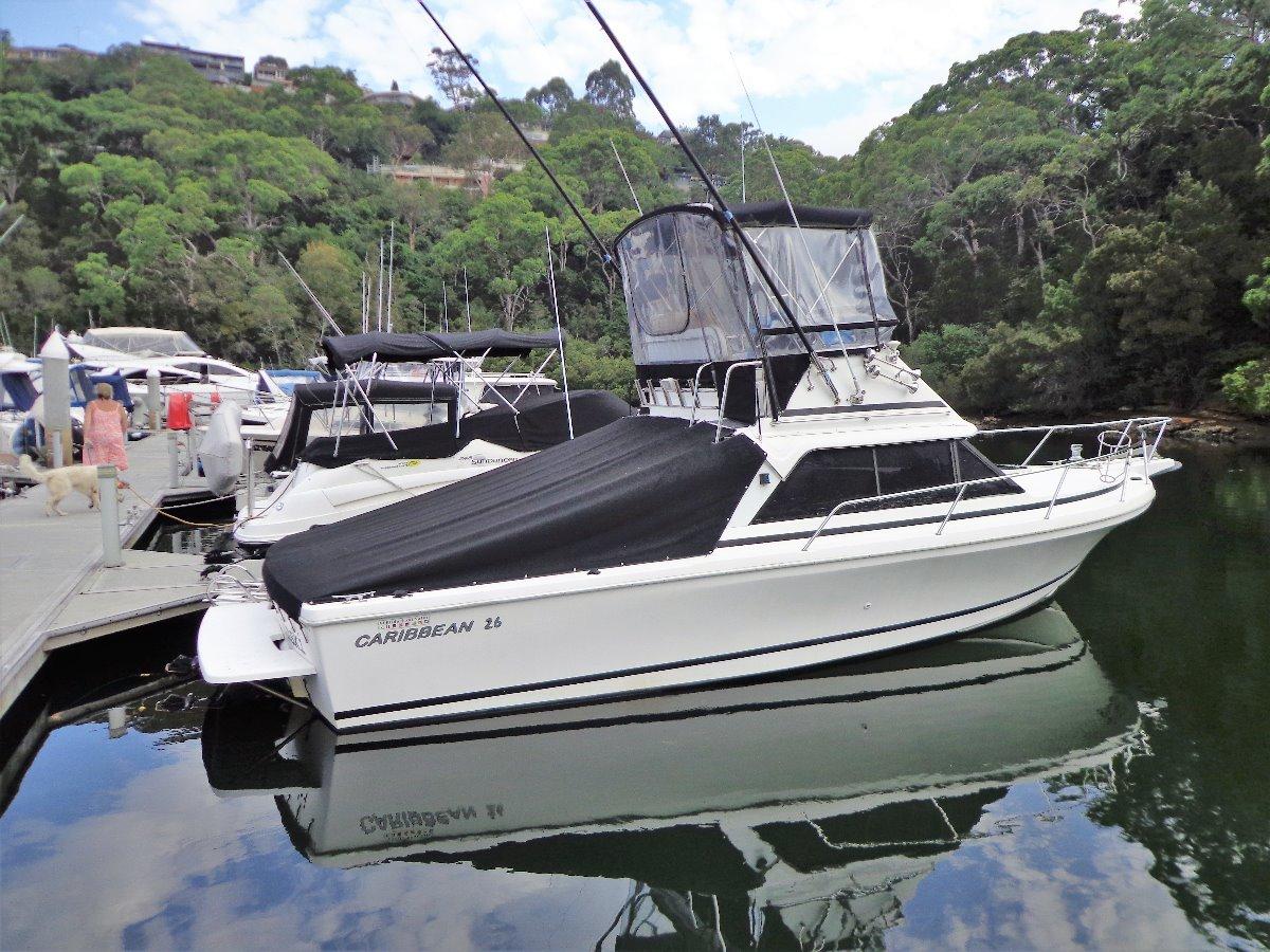 Caribbean 26 Flybridge Cruiser