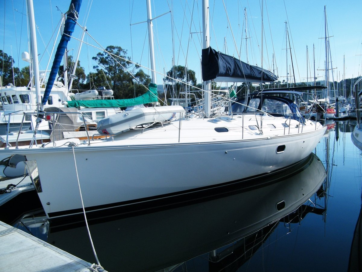184903 - Dufour Gibb Sea 43 foot with masthead rig. Great cruiser.