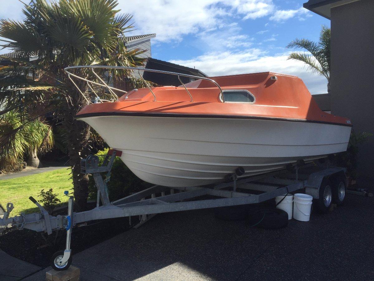 Hamilton Jet Boat 21 ft