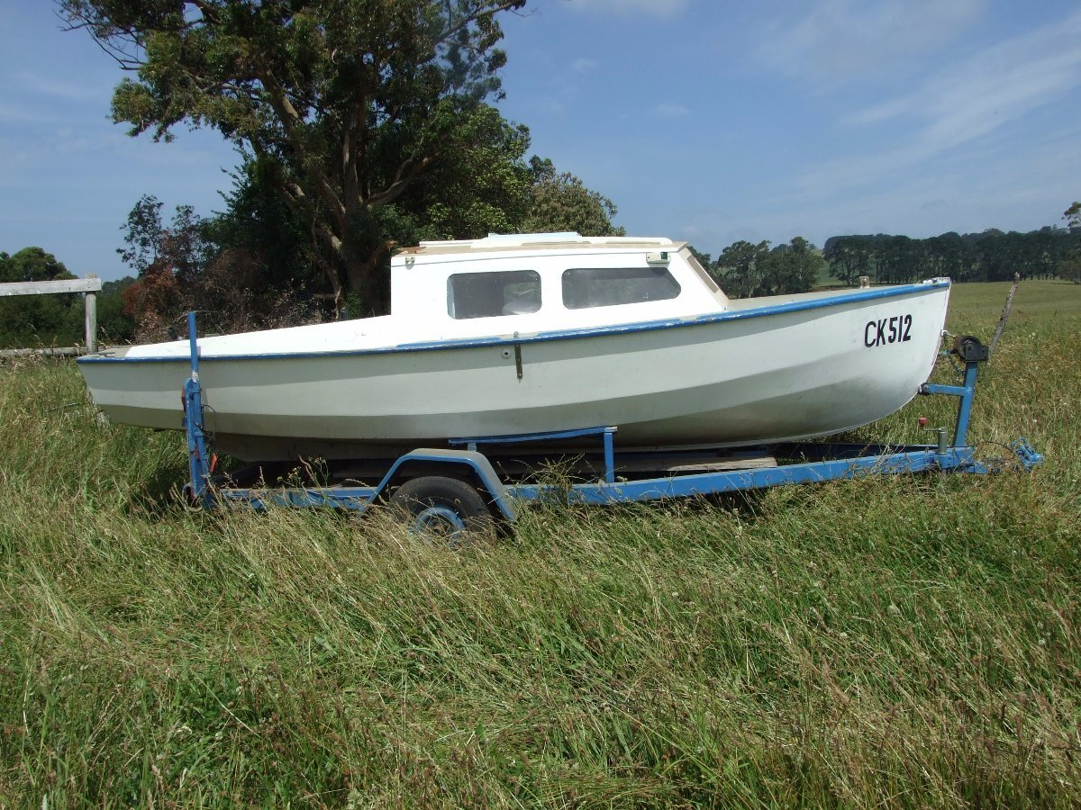 Hartley Hartley Yacht 5metres converted to fishing boat:1/2 Cabin wooden fishing boat