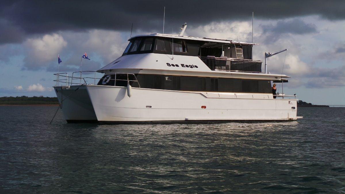Eagle Catamaran 55 Eagle 55 Power Cat /houseboat
