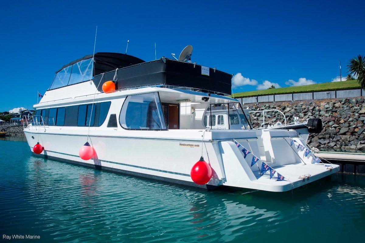 Innovation Catamaran 548