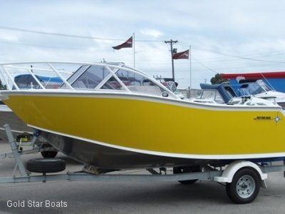 Goldstar 5000 Runabout- Click for more info...