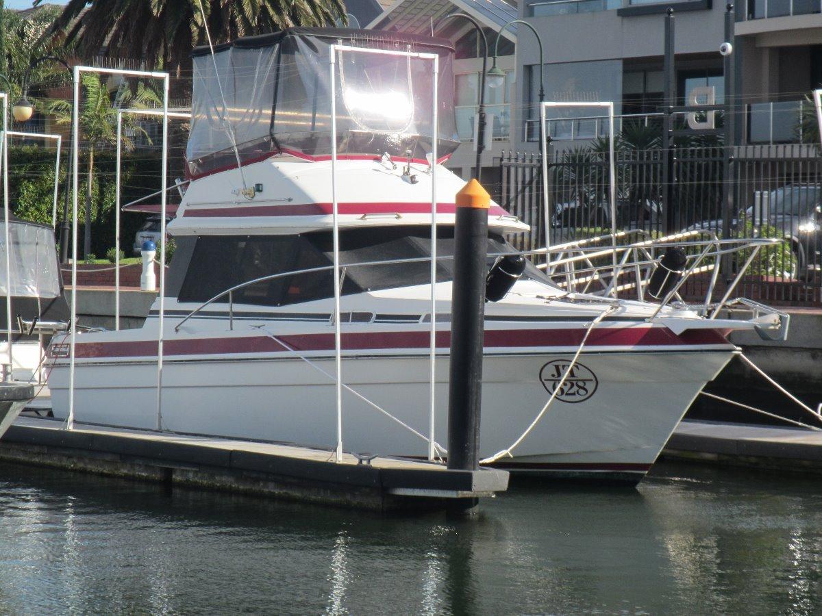 Markline Flybridge Cruiser