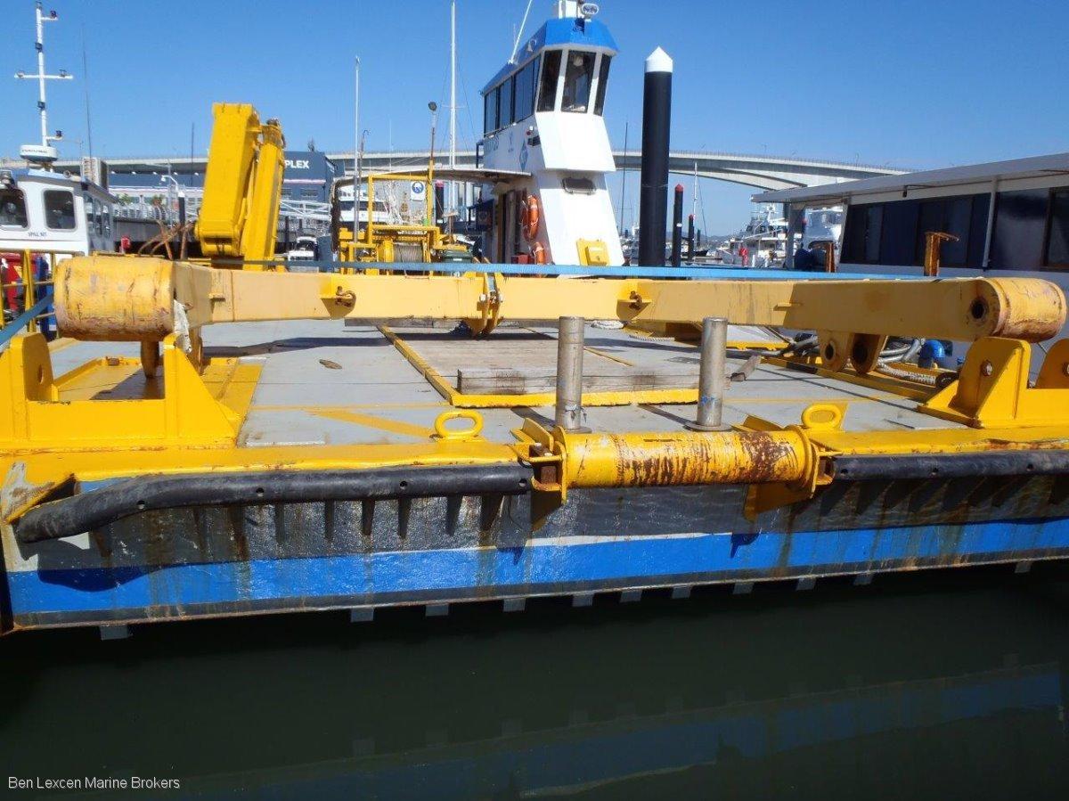 Custom Workboat, Barge & Lift Pontoon