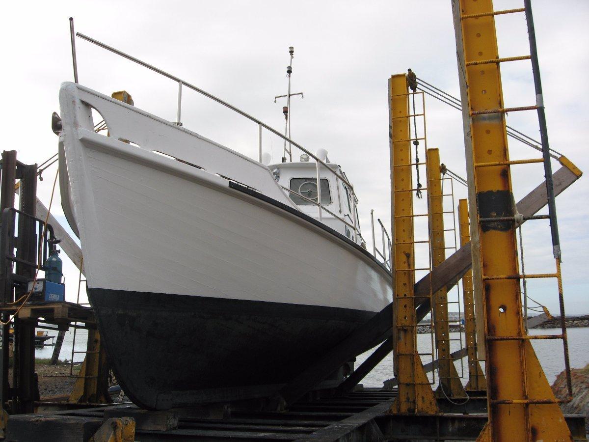 10.66m Charter Vessel