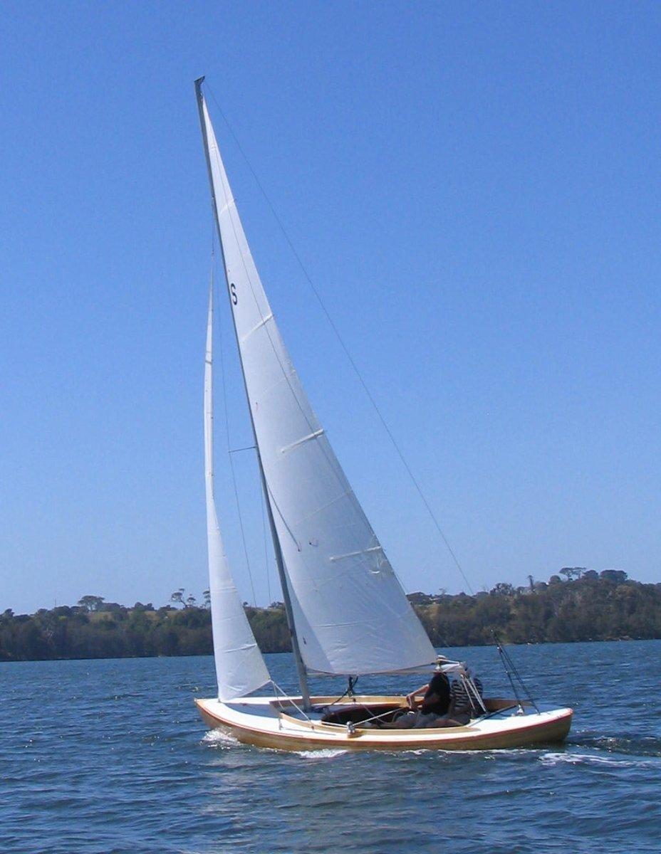 Joel White Design Day Sailer:Sailing