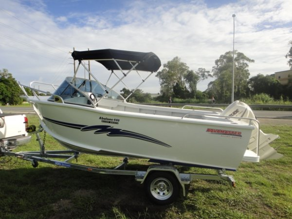 Aquamaster 4.40 Runabout