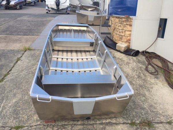 Aquamaster 3.60 Flat Bottom Punt (hull only)