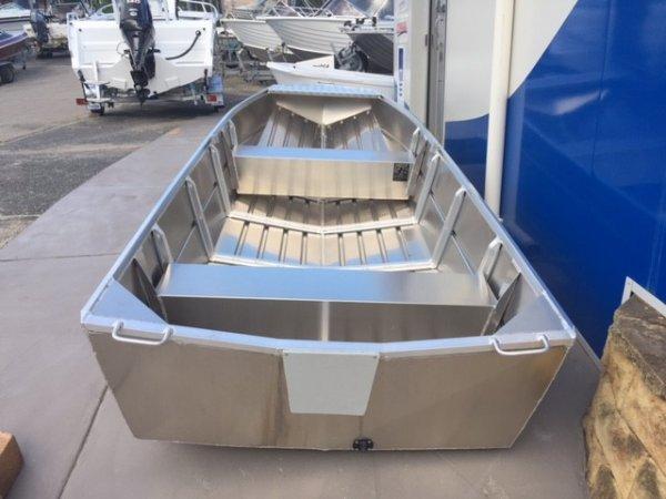 Aquamaster 3.60 V Nose Car Topper (Hull Only)