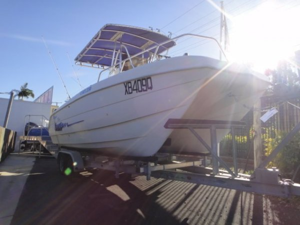 Sea Chaser Cat230