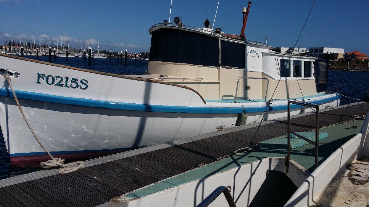 Carvel Carvel Planked Cruiser