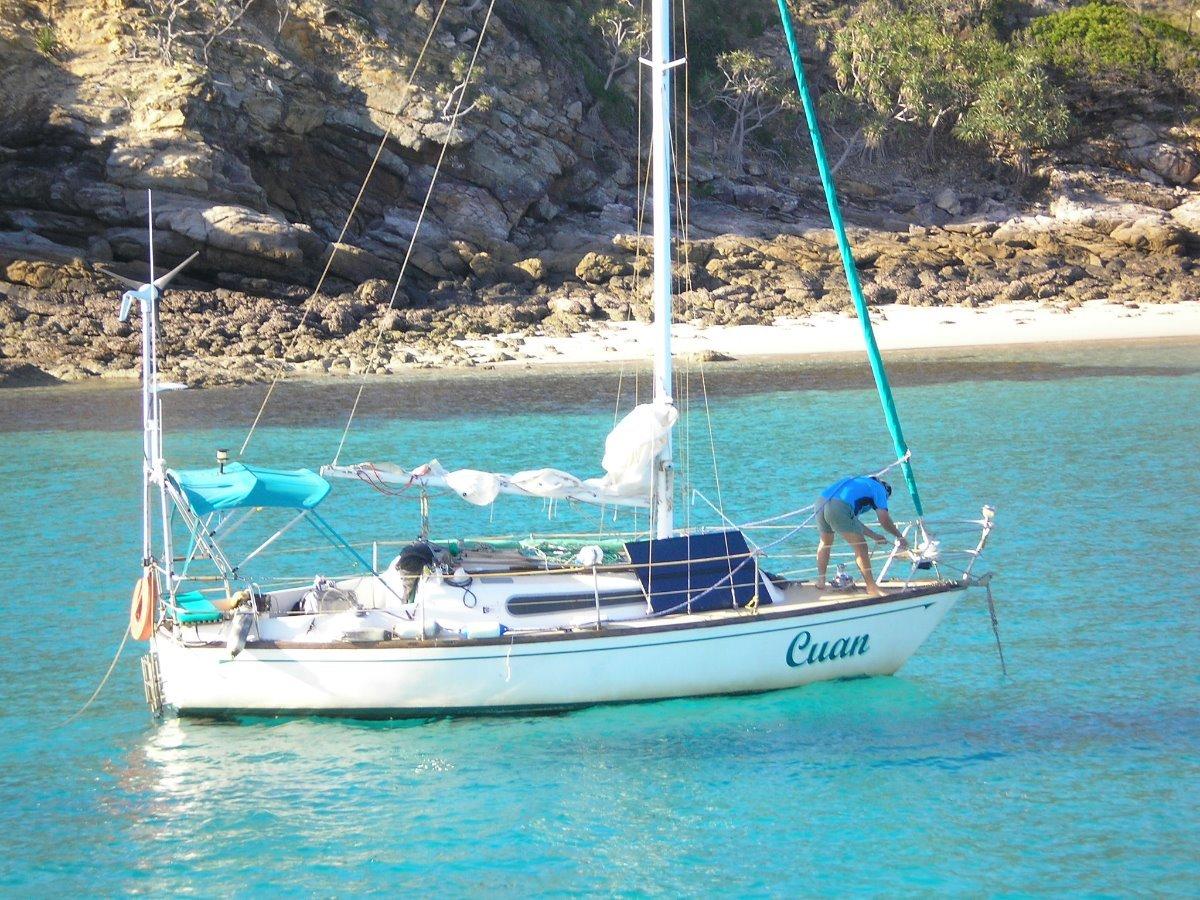Triton 26 full cab sailing yacht