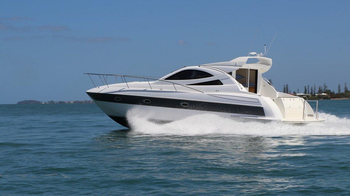 Javelin 42 Motor Yacht