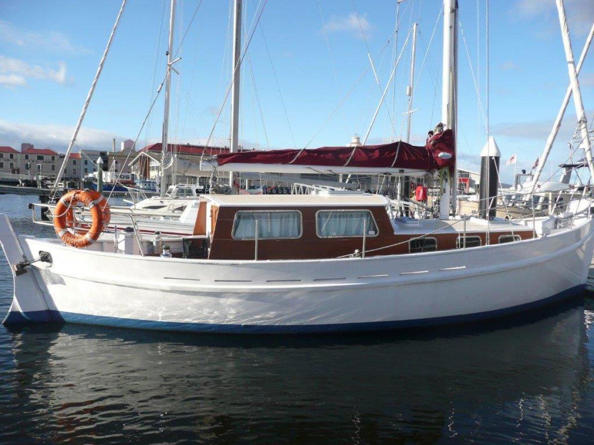 Traditional Motor Sail Cruiser / Liveaboard