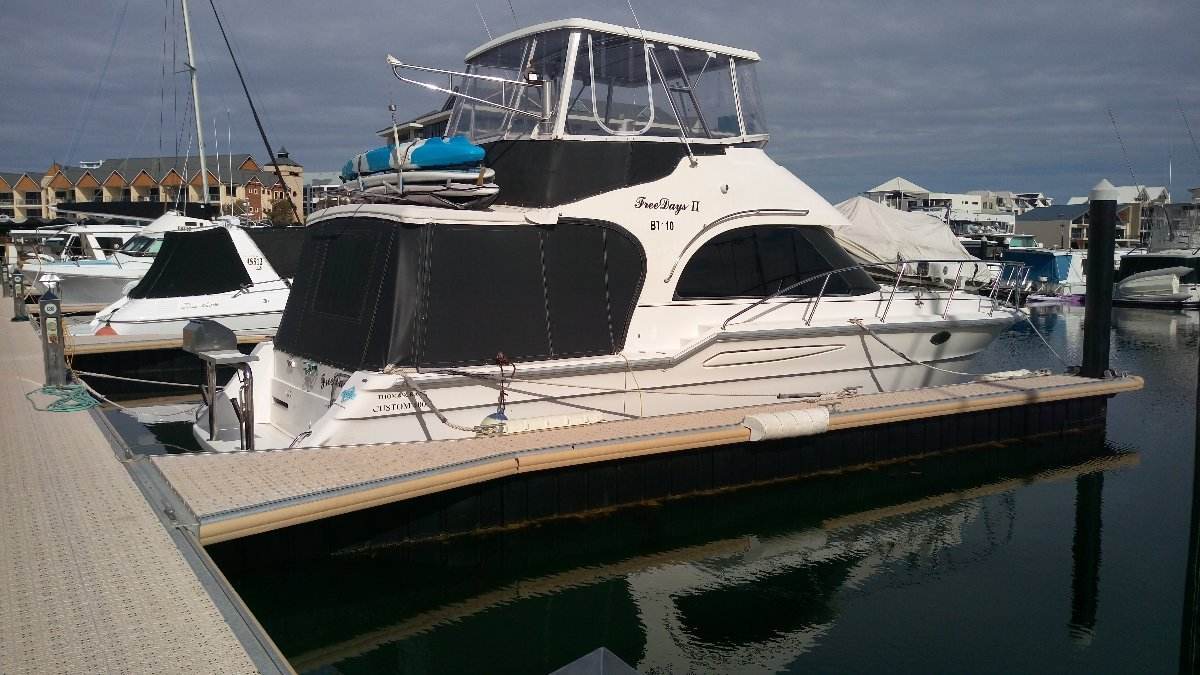 Thomascraft 40 Flybridge Immaculate and loaded with extras