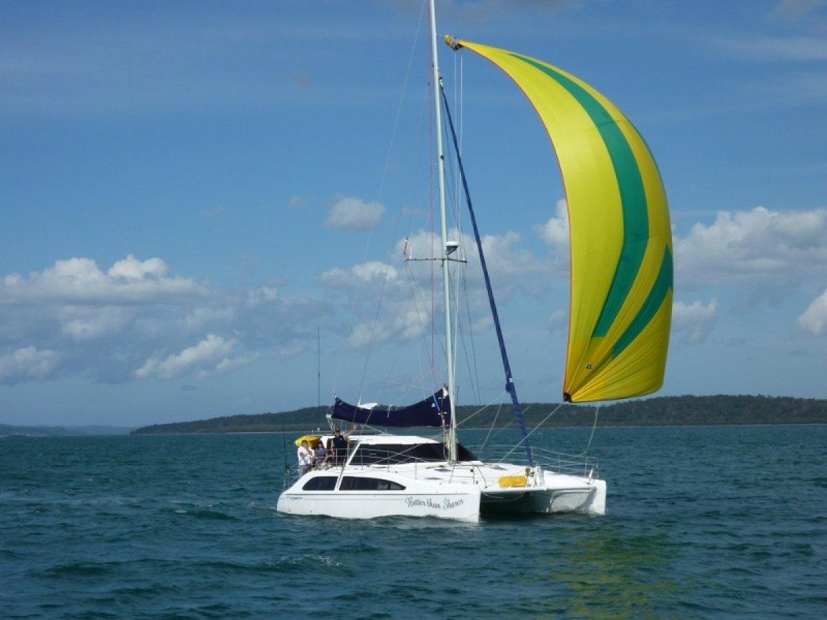 Seawind 1160 4 Cabin version:Easy handling MPS in sock.