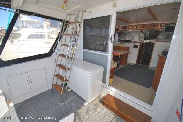 Fairway 36 Flybridge Cruiser