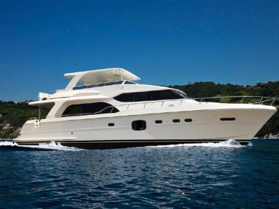 New Hampton 650 Pilothouse