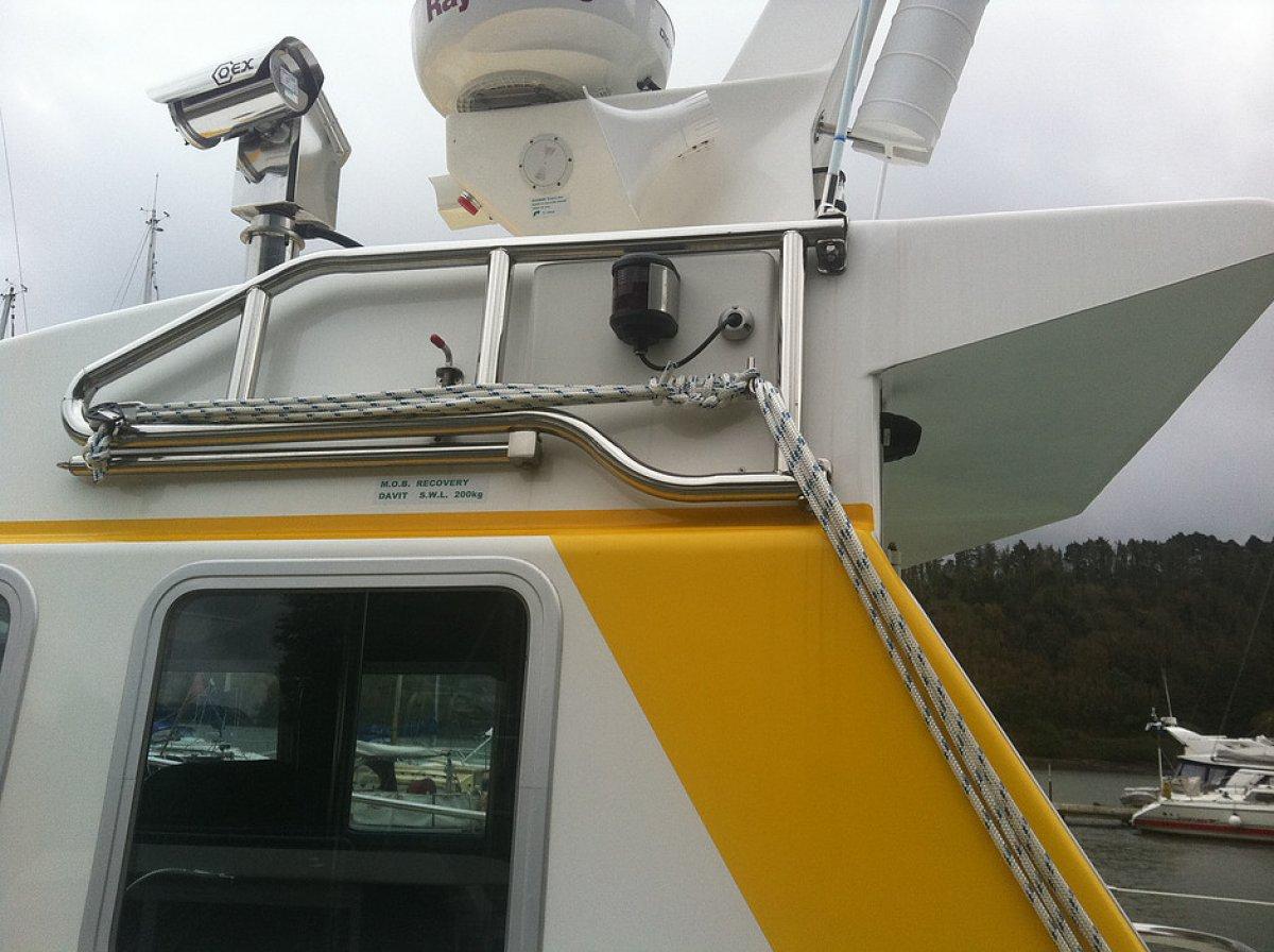 Interceptor 38 Self Righting S. A. R