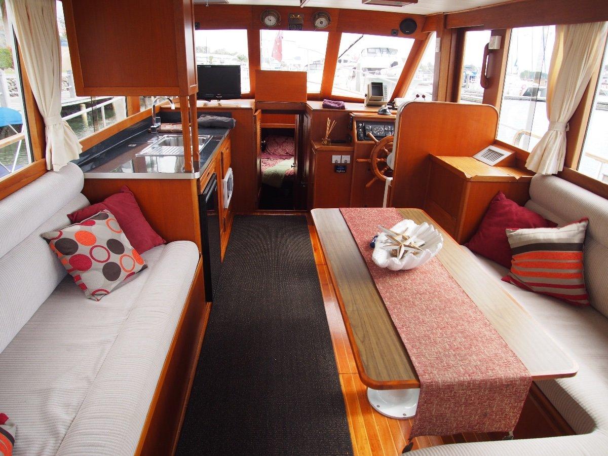 Island Gypsy 36 Flybridge Absolute Beauty/A Must See