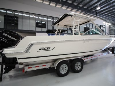 New Boston Whaler 270 Vantage