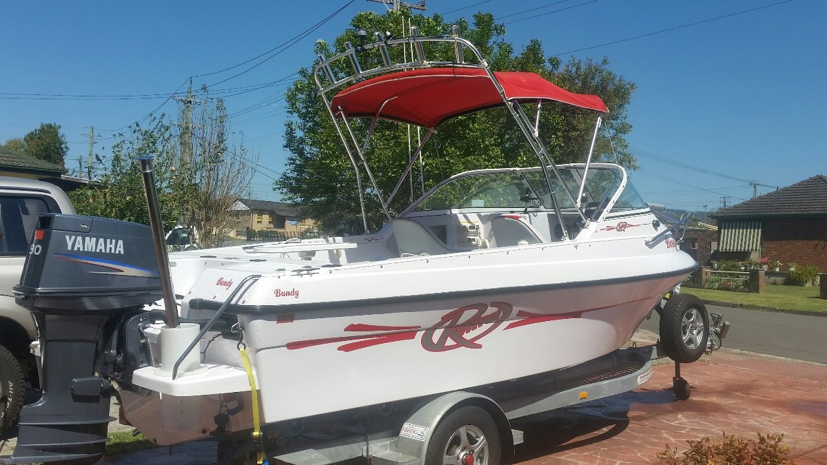 Revival 525 Runabout 2010 Revival 90 Hp Yamaha, used 14 times garaged